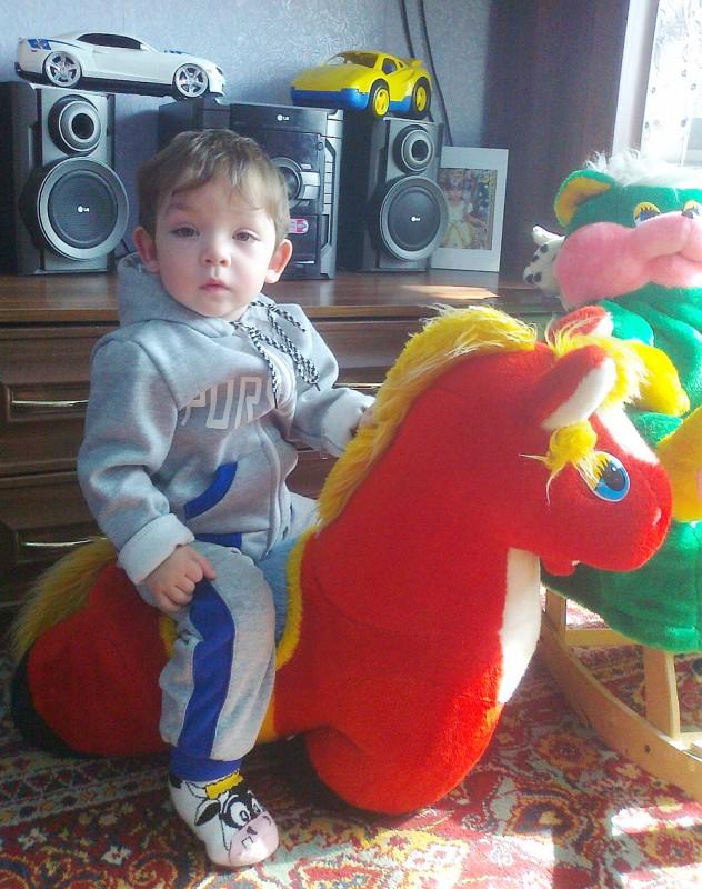 Руслан Айтенбеков (1 год 6 месяцев), д. Васильевка